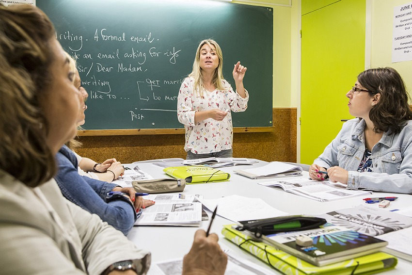 escola-idiomes-Clarence-House-classes-anglès-adults-2-sabadell-academia